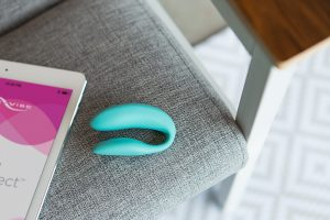 we vibe is the perfect toy for long distance couples